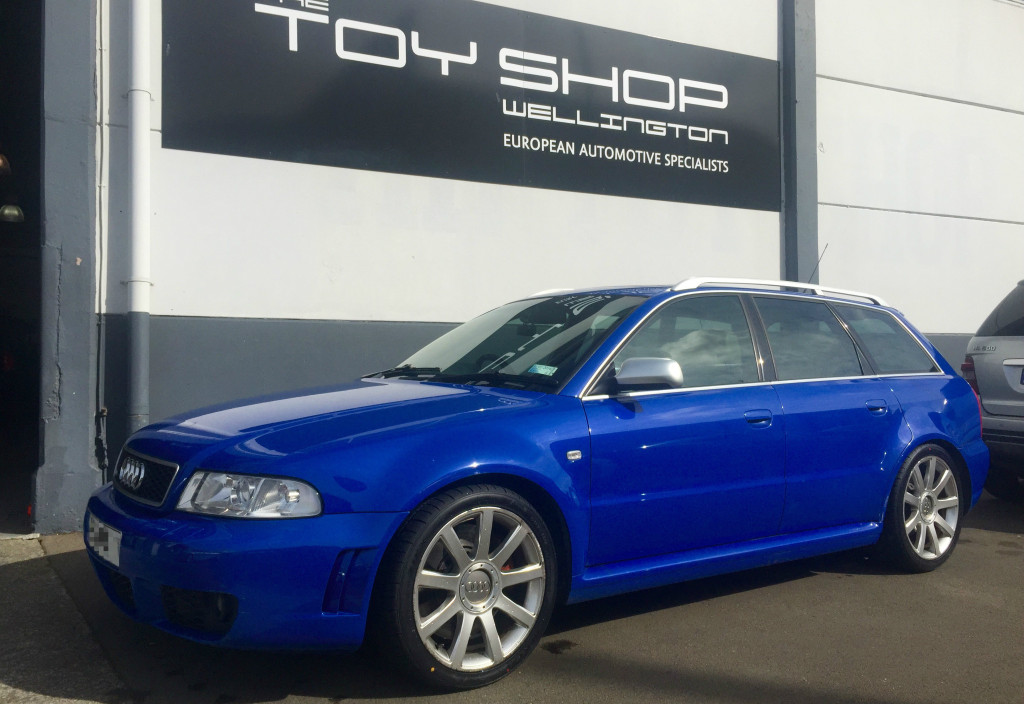 Toy-Shop-Wellington-Audi-RS4-Service-2