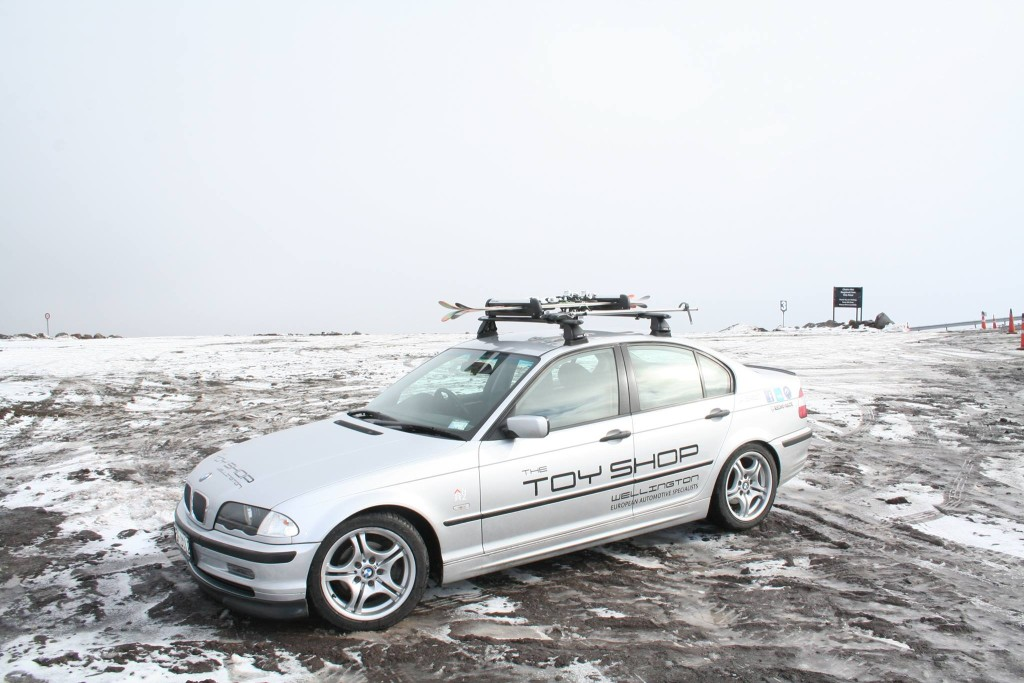 Toy-Shop-Wellington-BMW-Rhino-Rack-Ski-Skiing-roof-rack