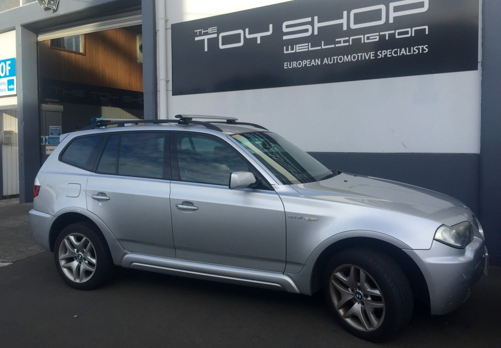 Toy-Shop-Wellington-BMW-X3-Rhino-Rack-1