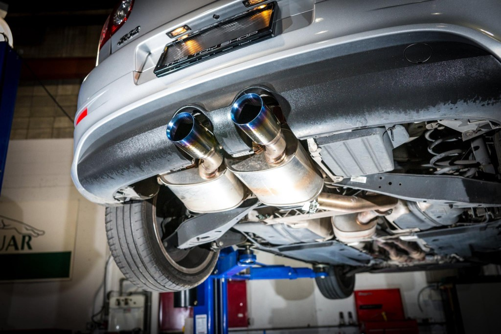 Toy-Shop-Wellington-R32-Golf-exhaust