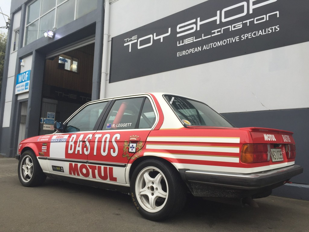 Toy-Shop-Race-car-BMW-E30-1