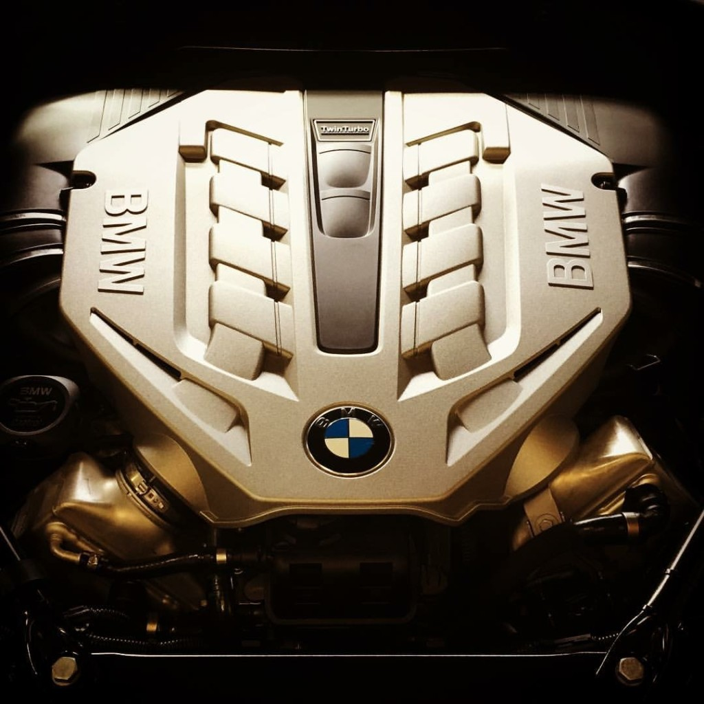 toy-shop-wellington-BMW-550-engine