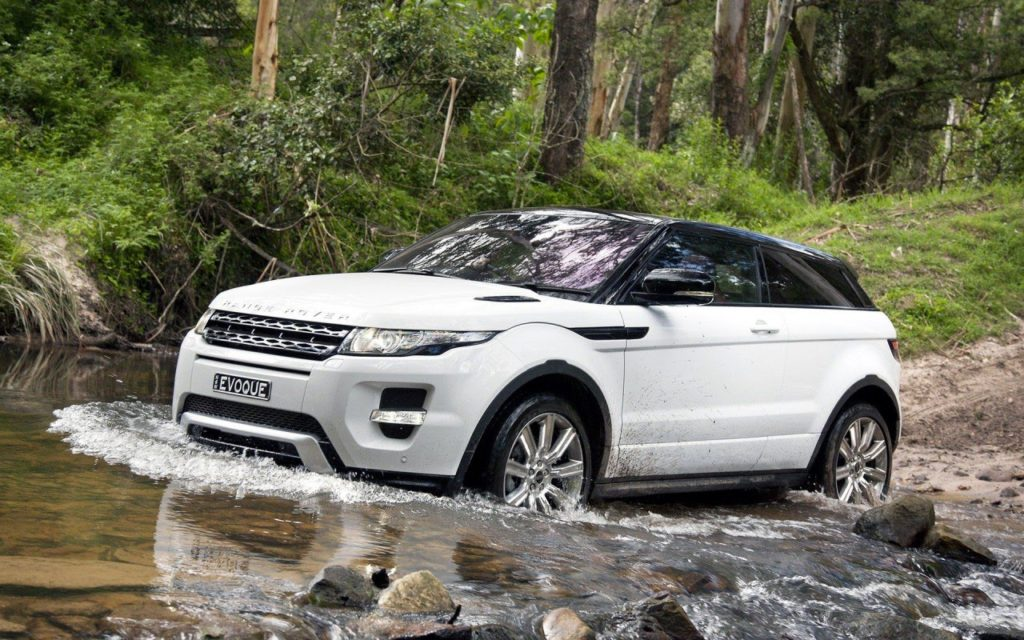 Range-Rover-Evoque-White-Car-800x1280
