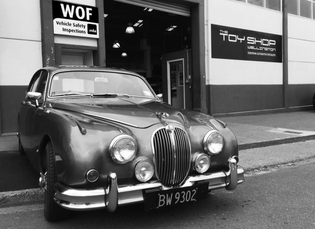 toy-shop-wellington-tsw-jaguar-mk2-1